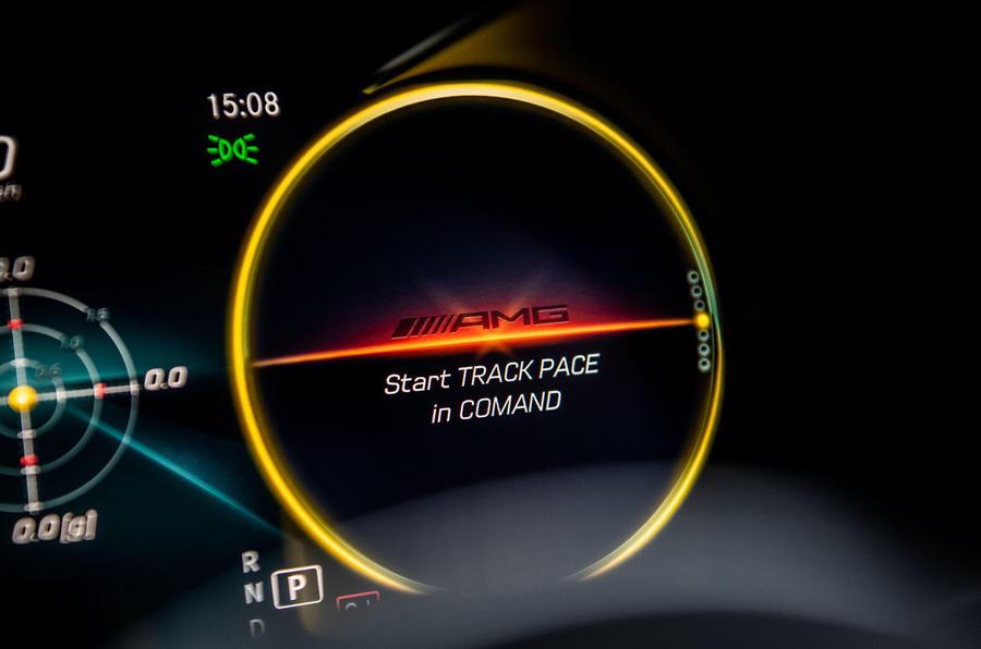 Mercedes-AMG C63 S 2018 display