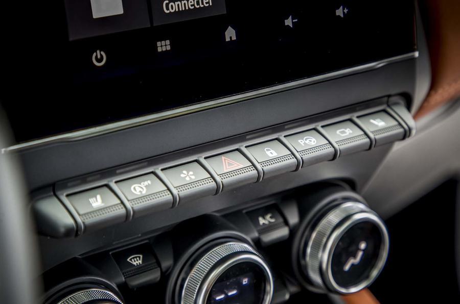 2020 Renault Captur revealed - press images