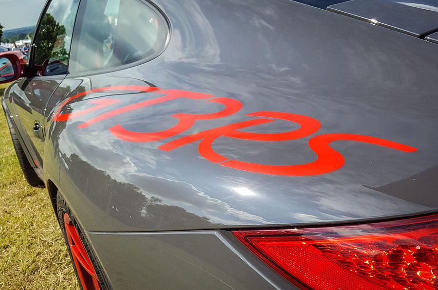 PORSCHE 911 GT3 RS: For many Porsche fans, the ultimate 911