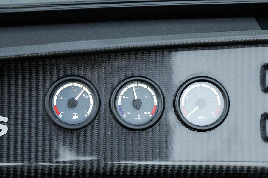 Caterham Seven 620S gauges