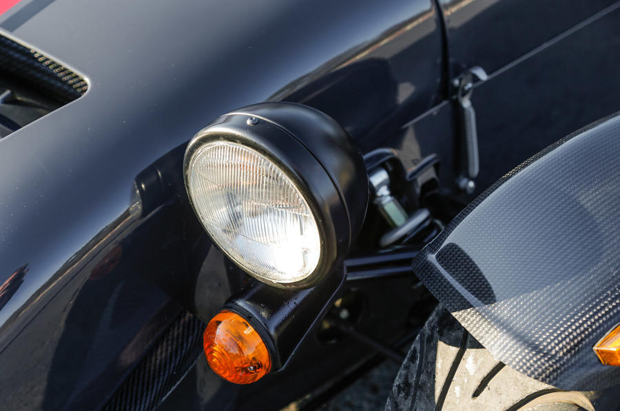 Caterham Seven 620S headlights