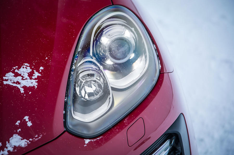Porsche Cayenne GTS xenon headlights