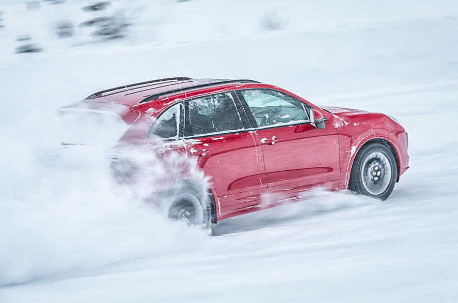 Porsche Cayenne GTS in the snow