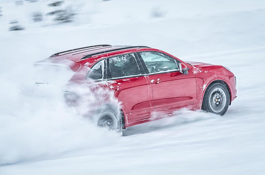 Porsche Cayenne GTS in the snow