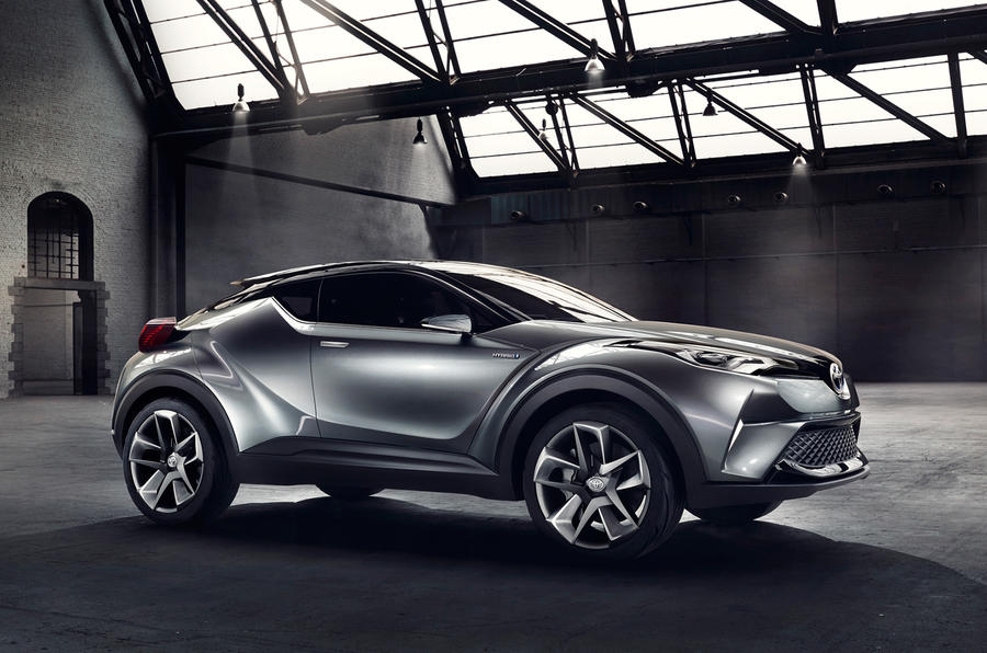 toyota 39 s juke rivalling hatchback will be revealed in production form as a petrol electric hybrid. Black Bedroom Furniture Sets. Home Design Ideas