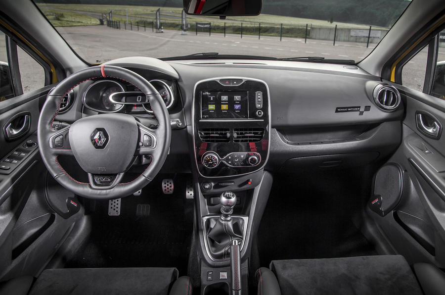 Renault Clio RS16 dashboard