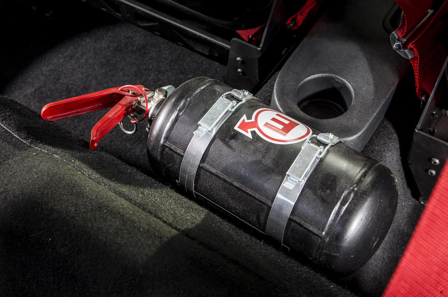 Renault Clio RS16 fire extinguisher
