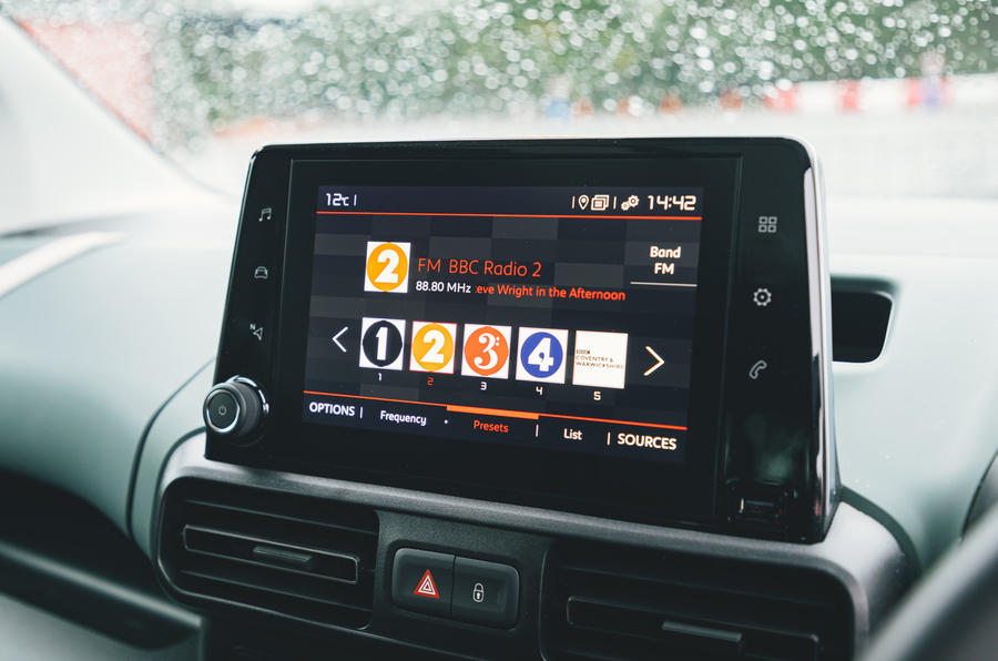 Britain's Best Car Awards 2020 - Citroen Berlingo - infotainment