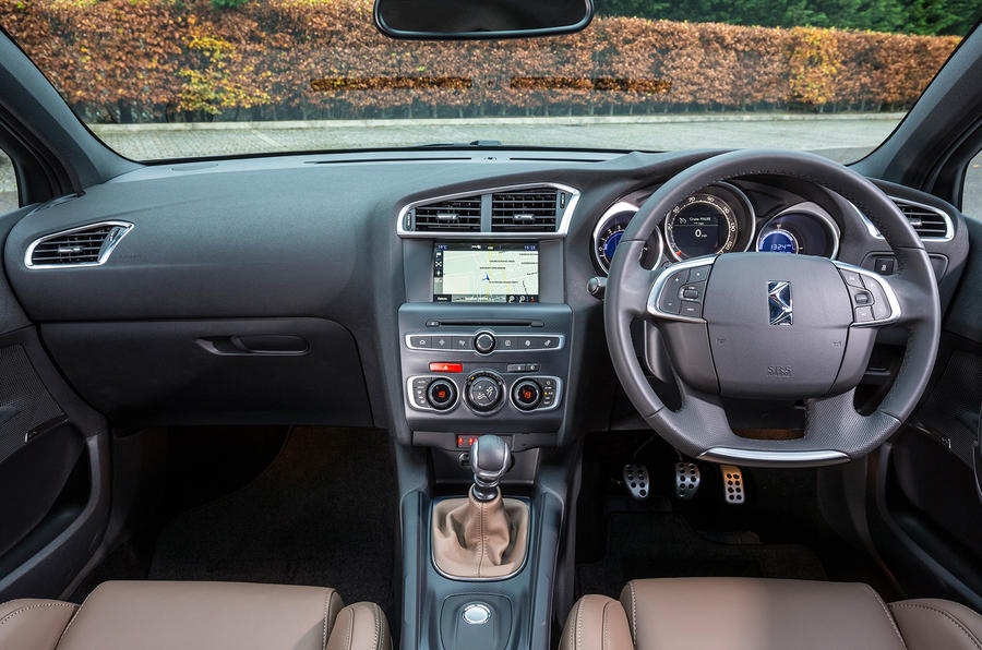DS 4 Crossback dashboard