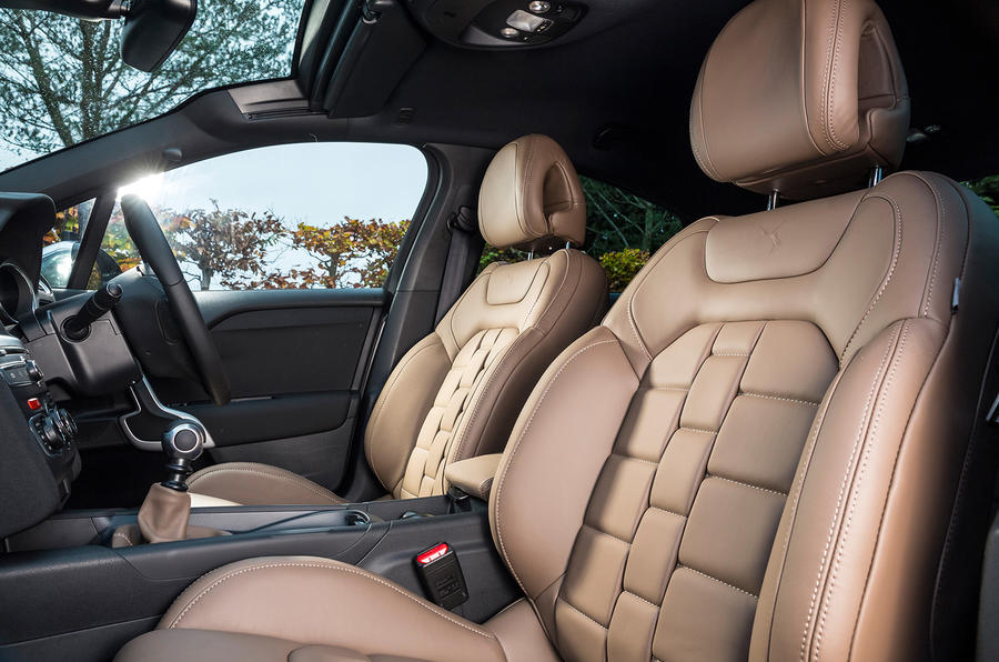 DS 4 Crossback leather seats