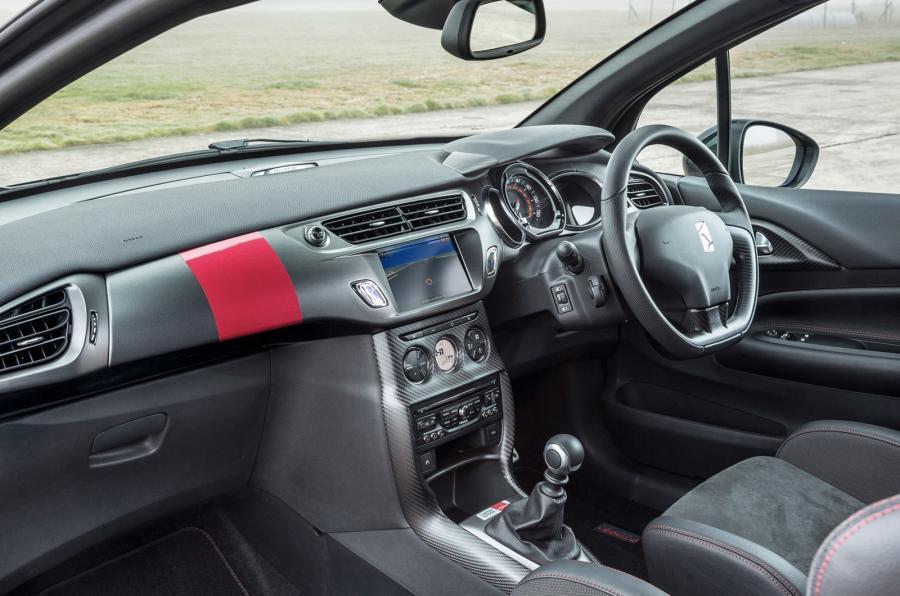 DS 3 Racing Cabrio interior