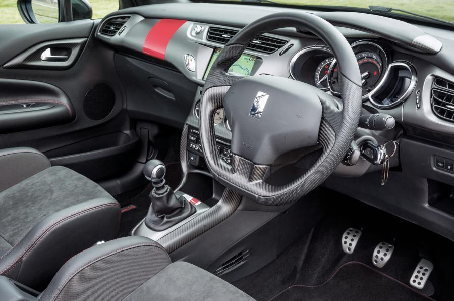 DS 3 Racing Cabrio dashboard