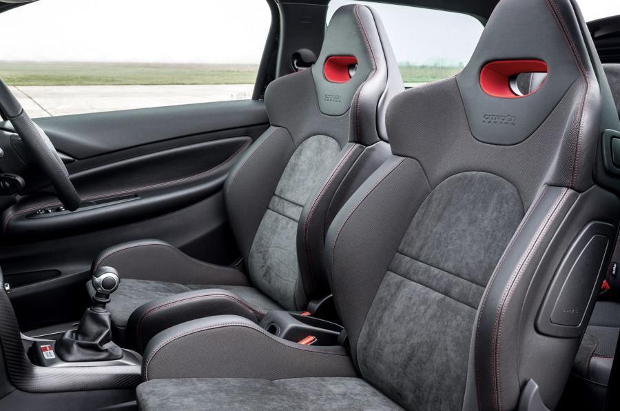 DS 3 Racing Cabrio racing seats