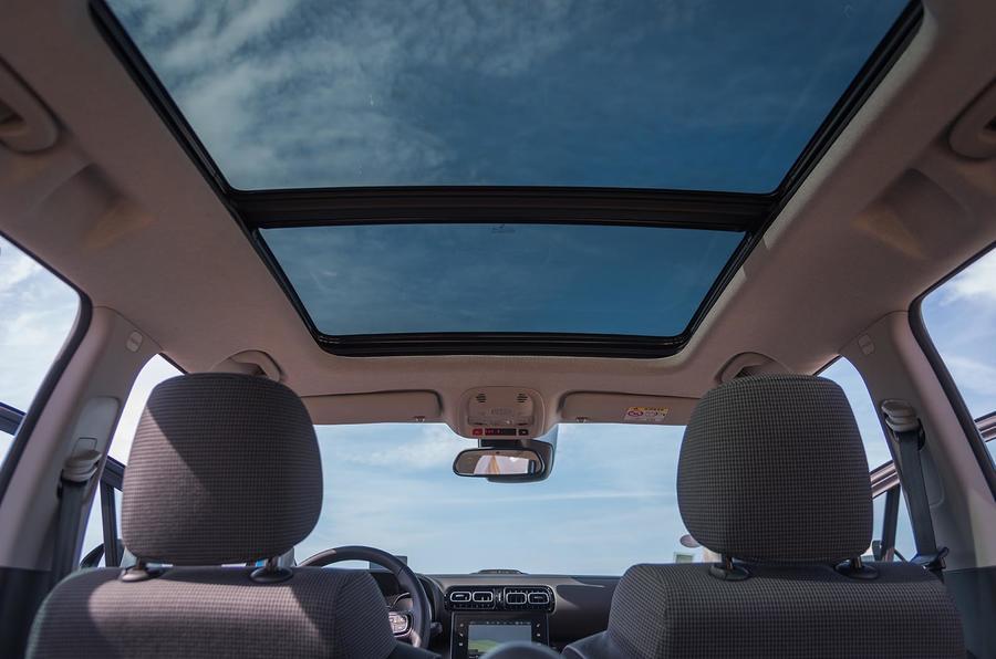 Citroën C3 Aircross panoramic sunroof