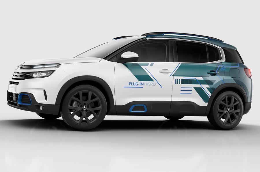citroen c5 aircross hybrid concept makes paris debut autocar. Black Bedroom Furniture Sets. Home Design Ideas