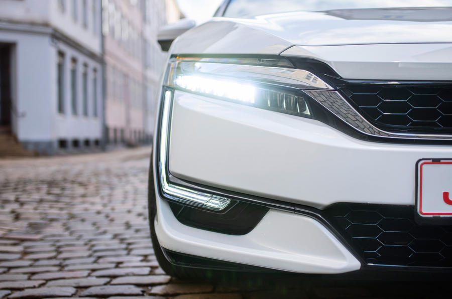 Honda Clarity Fuel Cell day-running-lights