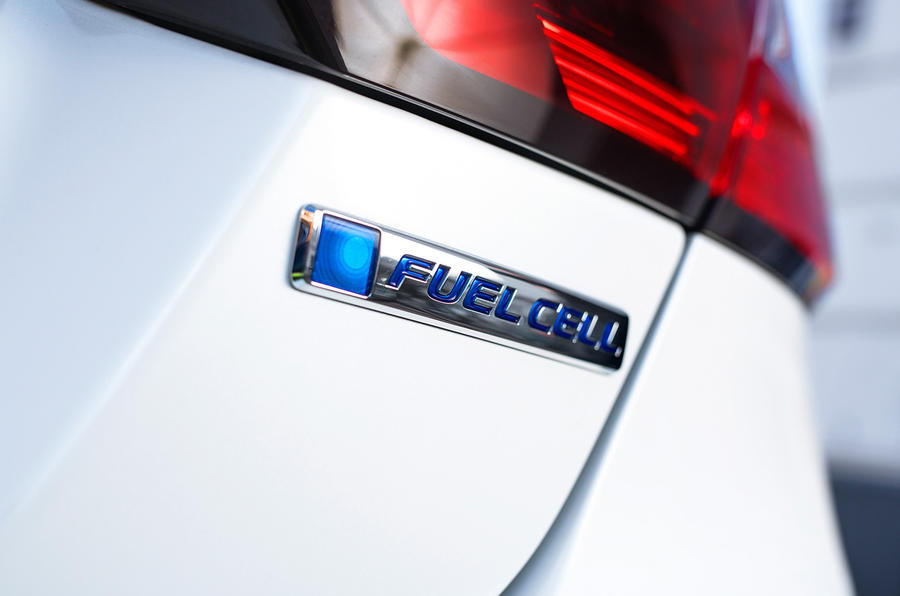 Honda Clarity Fuel Cell badging