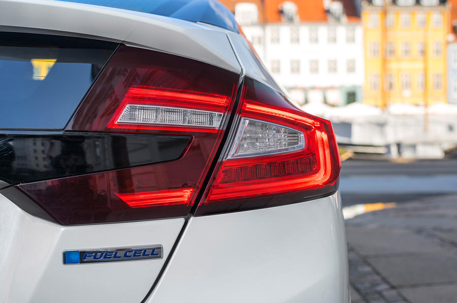 Honda Clarity Fuel Cell rear lights