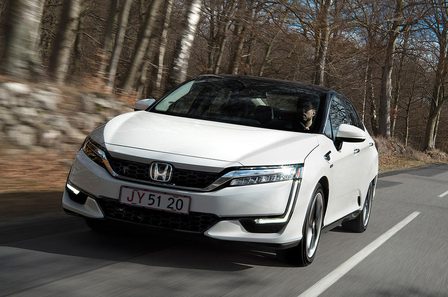 Honda Clarity Fuel Cell front quarter