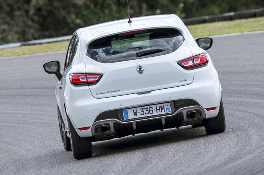 2016 renault clio rs 220 trophy review review autocar. Black Bedroom Furniture Sets. Home Design Ideas