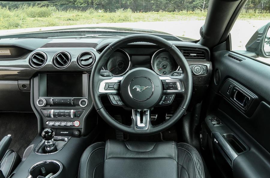 Sutton Mustang CS800 dashboard