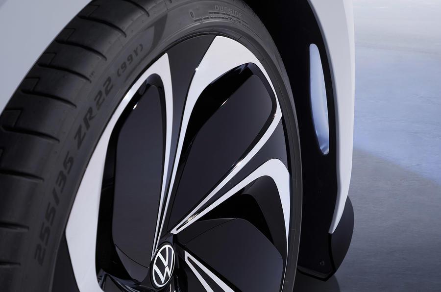 Volkswagen ID Space Vizzion 13