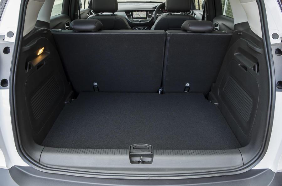 vauxhall crossland x 1 6t d 99 ecotech blueinjection elite review autocar. Black Bedroom Furniture Sets. Home Design Ideas