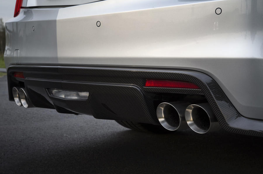 Cadillac CTS-V quad exhaust