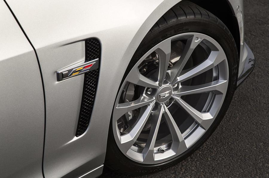 Cadillac CTS-V alloy wheels