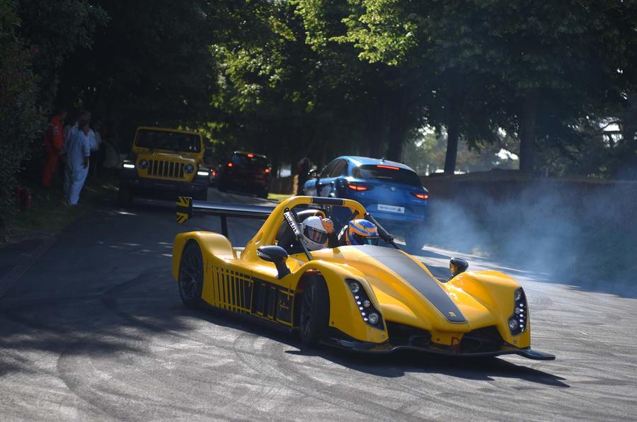 Autocar rides in the Radical Rapture