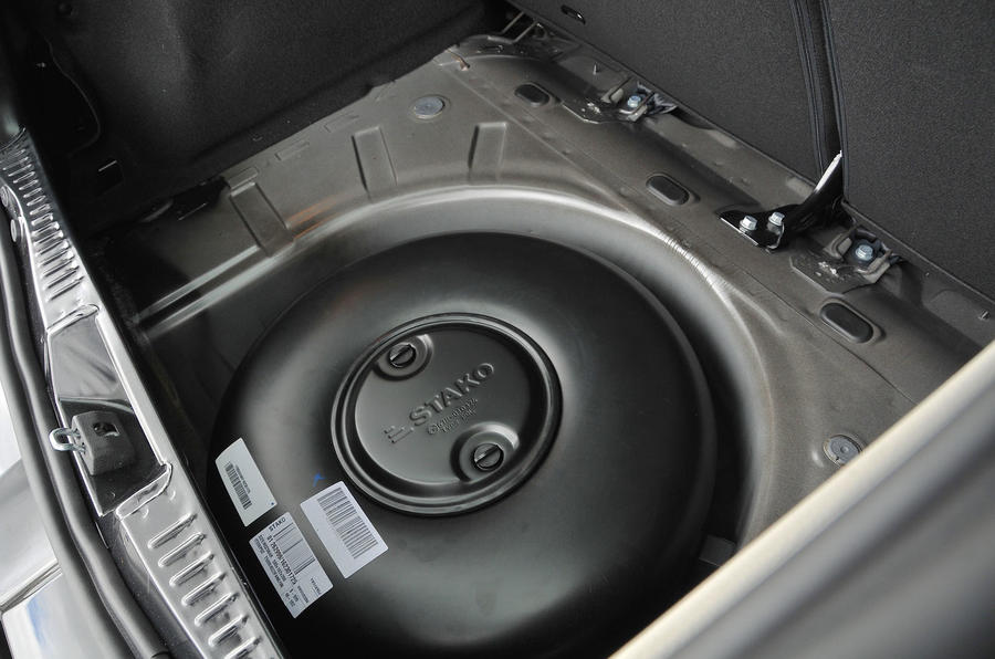 Dacia Sandero Stepway LPG fuel tank