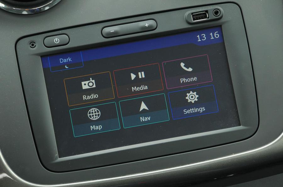 Dacia Sandero Stepway LPG infotainment system