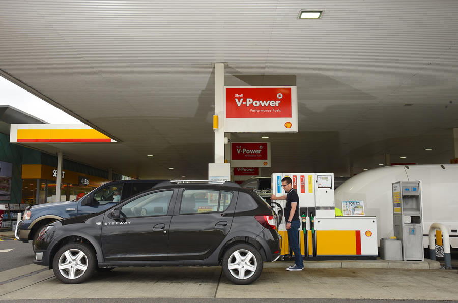 Refuelling the Dacia Sandero Stepway LPG