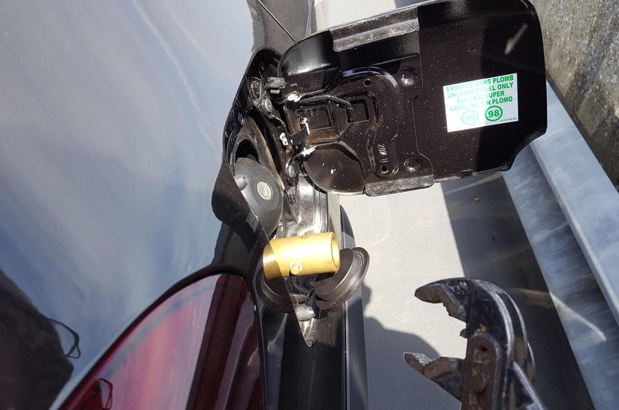 Dacia Sandero Stepway LPG adaptor stuck