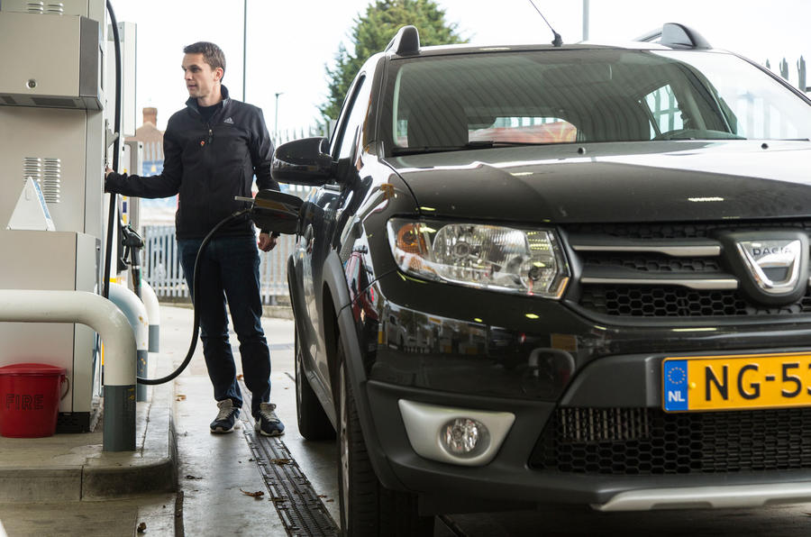 Mark Tisshaw filling up the Dacia Sandero Stepway LPG