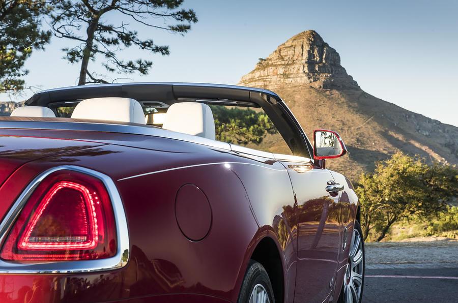 Rolls-Royce Dawn rear light