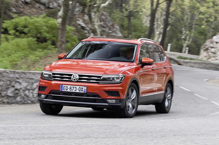 Volkswagen Tiguan Allspace cornering