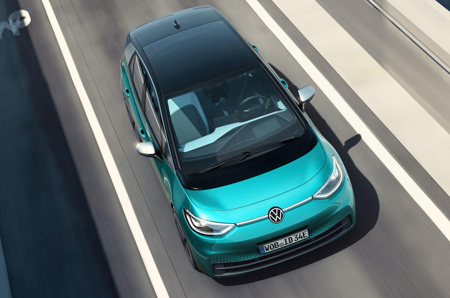 2020 Volkswagen ID 3 reveal - driving roof