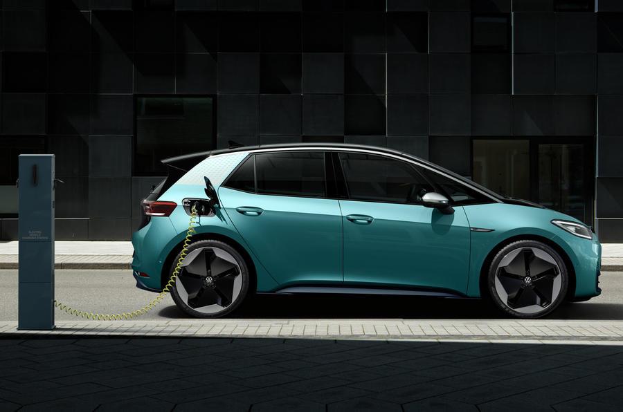 2020 Volkswagen ID 3 reveal - charging