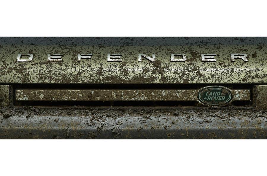 2020 Land Rover Defender front grille