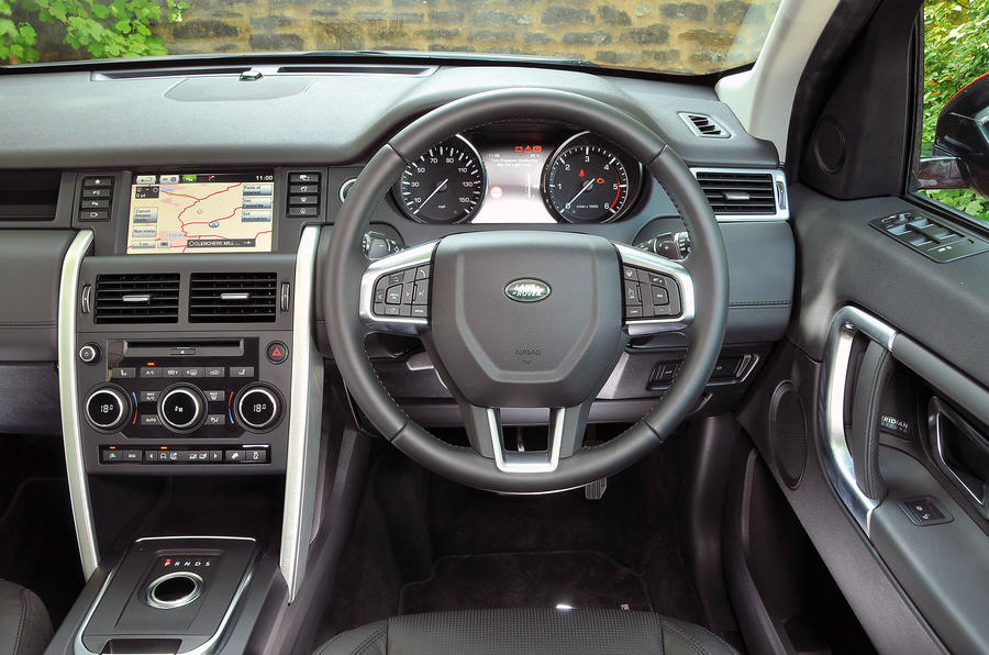 Land Rover Discovery Sport dashboard
