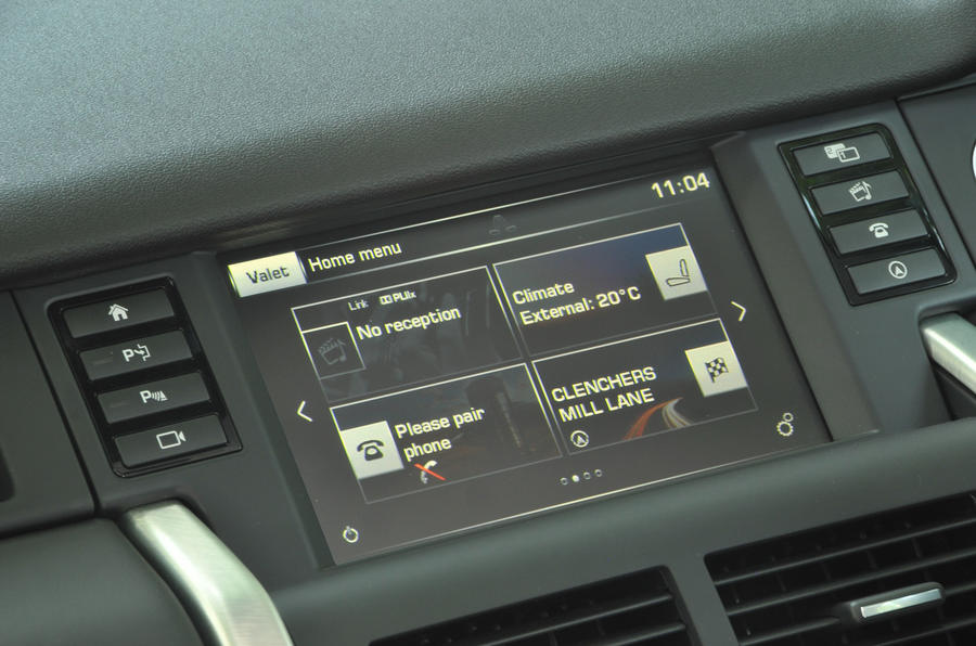 Land Rover Discovery Sport infotainment