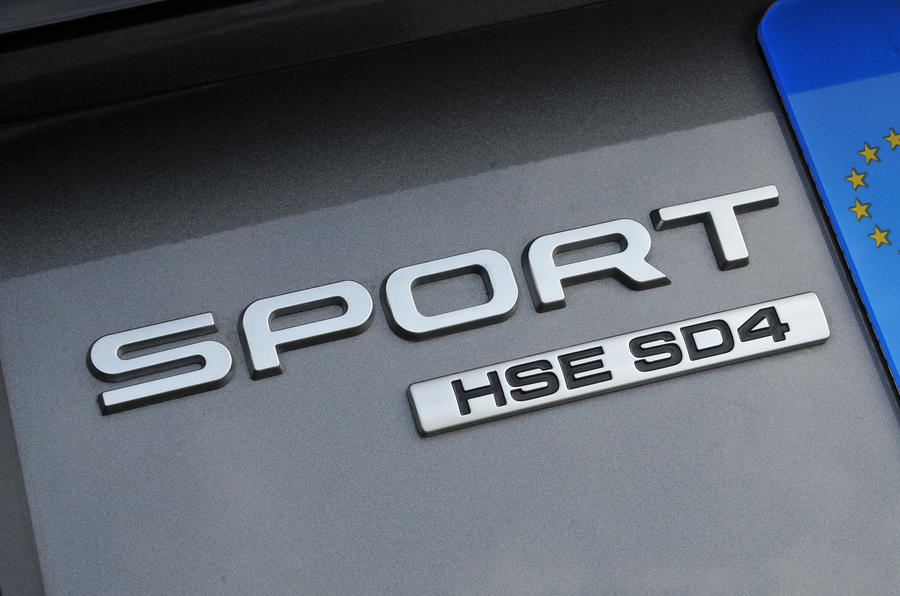 Land Rover Discovery Sport badging