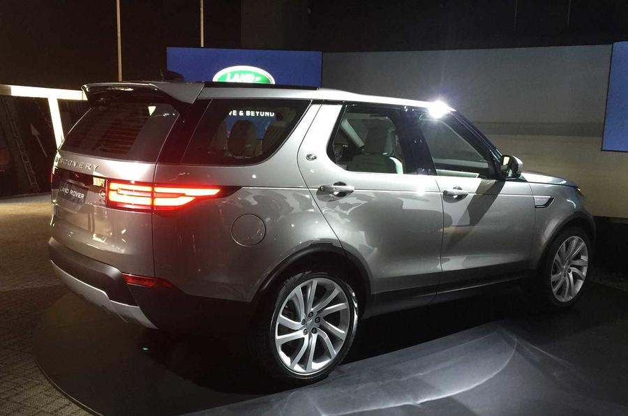 2016 - [Land Rover] Discovery V - Page 5 Discolive-05