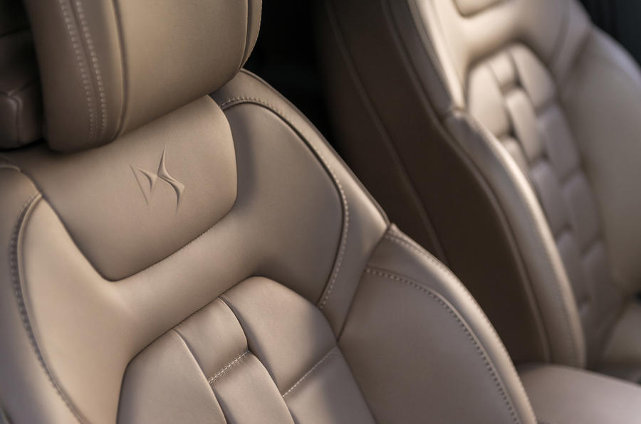 DS 4 Prestige leather seats