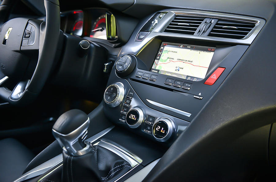DS 5 infotainment system
