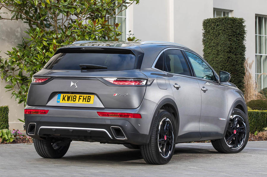 DS 7 Crossback BlueHDi 180 Performance Line 2018 review static rear