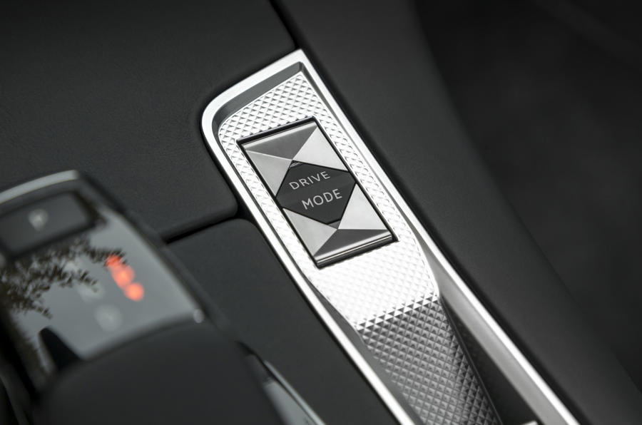 DS7 Crossback driving mode controls