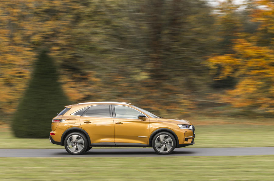 DS7 Crossback on the road