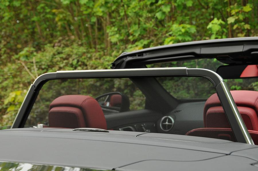 Mercedes-Benz SL 400 wind deflector